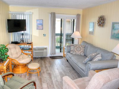 Beautifully furnished condo located near many local attractions!