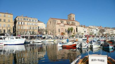 Photo for Big and lovely studio on the old port of La Ciotat (35m2)