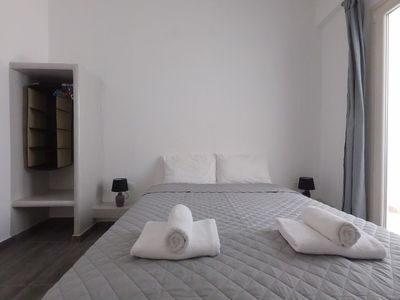 Photo for 4 persons Apartment 30 meters from Perissa Beach