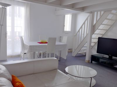Photo for Large family Apt, 2 BR + mezzanine for 6 guests, at edge of Sacré Coeur Garden