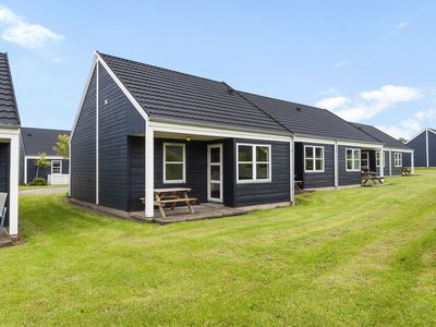 Photo for 4-6-person bungalow in the holiday park Landal Rønbjerg - on the coast/the beach