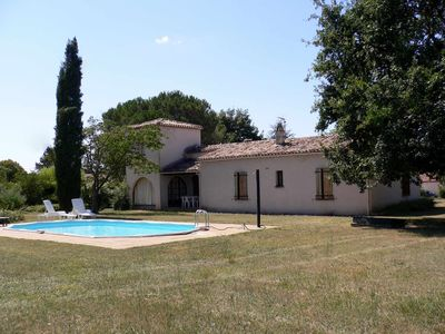 Photo for Architect villa, sleeps 9, swimming pool, country Montayral