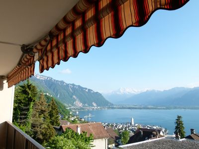 Photo for Chic apartment with exceptional views of Lake Geneva