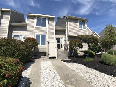 Photo for Beautiful 3 Bedroom Townhouse with Expansive Bay Views!