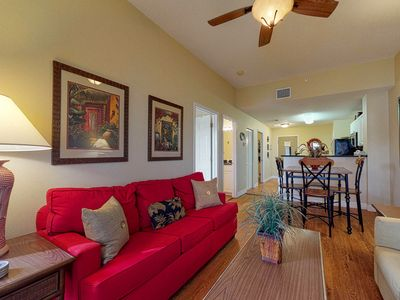 Photo for Tropical escape w/ community pool & hot tub, private laundry -easy Gulf access!
