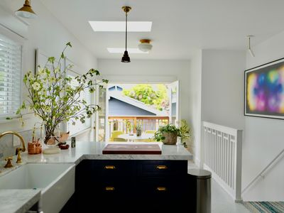 Photo for Indoor/outdoor living in beautiful Temescal home, BART-SF