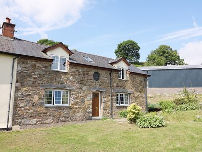 Photo for CEFN COTTAGE, family friendly in Llanidloes, Ref 945140