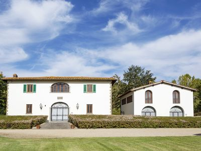 Photo for Private Villa with A/C, private pool, WIFI, TV, pets allowed, parking, close to Greve In Chianti