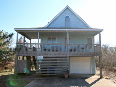 Photo for 3 Bedroom Pet Friendly Home close to Beach, Dining and Shopping