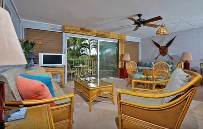 Photo for Tropical Maui Garden View Condo in Ocean Front Location just North of Kaanapali