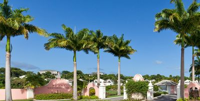 Photo for Villa with ocean views, on prestigious golf course in gated community.
