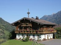 fantastic holiday accomodation, complete top floor of a beautiful wood chalet wi ...