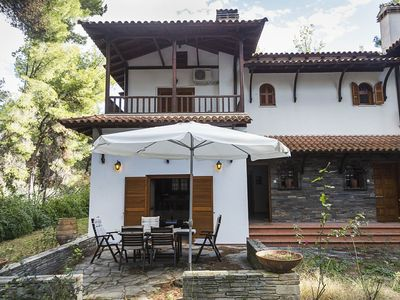 Photo for Villa Nikola - Garden, 5 mins To The Beach, 3 Bdrms, Garden, BBQ