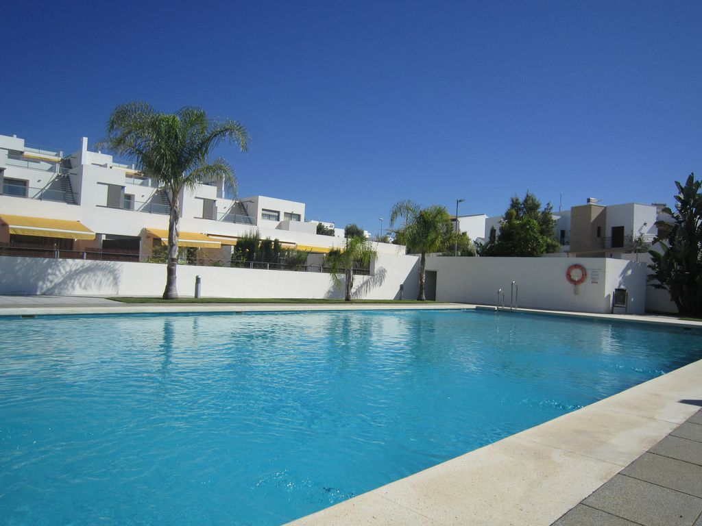 2 Apartments In Conil Playa De La Fontanilla With Pool And