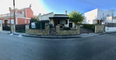 Photo for Cheap, 1 family house with pool, close to the beach, family-friendly quiet place