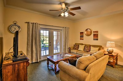 This spacious unit comfortably sleeps 6 lucky guests.