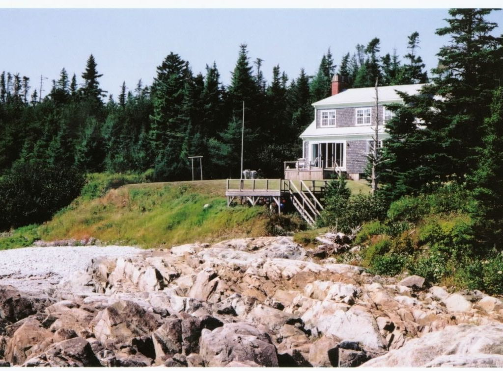 Oceanfront on the bay of fundy pocologan for Minimalist house bay of fundy