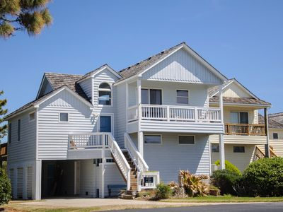 Photo for Sandy T'z: Golf course community, community pool and tennis courts, great neighborhood.