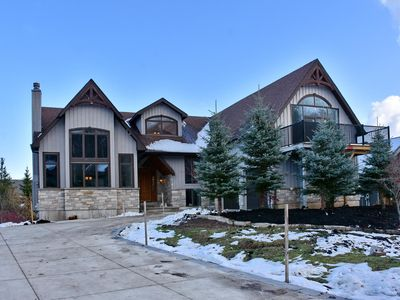 Photo for Large chalet in private resort 50 yards away from chair lift.