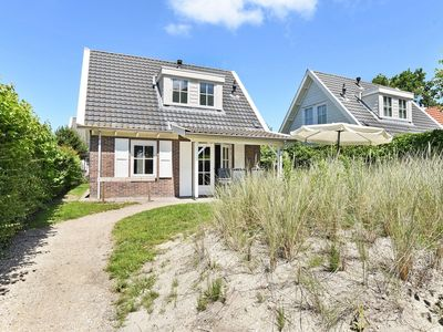 Photo for Luxury 4-person bungalow in the holiday park Landal Duinpark 't Hof van Haamstede - on the coast/the beach