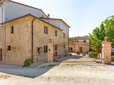 Photo for Detached house with authentic elements in the old barn on the estate.