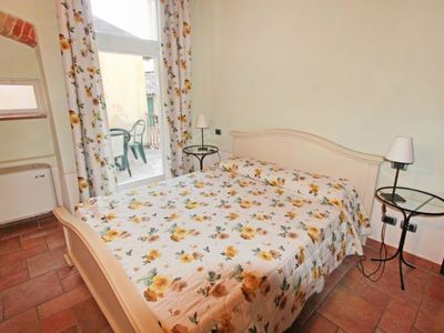 Photo for Apartment Borgo in Toscolano - 4 persons, 1 bedrooms