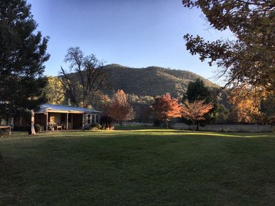 Photo for Luxurious Miners Cottage on Howqua River