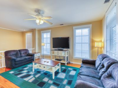 Spacious home only a half mile from North Beach w/ shopping & dining nearby!