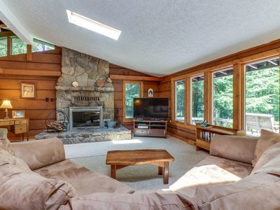 Photo for Cozy, split lakefront home w/ private hot tub & pool table - close to slopes!