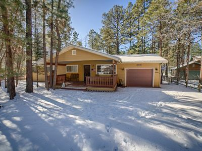 Photo for Perfect Pinetop Getaway; 2 Master Suites; WiFi & Satellite; Pet-Friendly