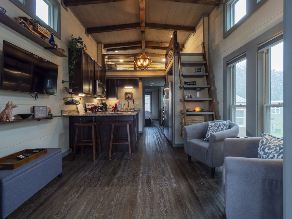 Fabulous Cozy Tiny Home East Flat Rock Nc Convenient To Asheville Hendersonville Flat Rock Download Free Architecture Designs Rallybritishbridgeorg