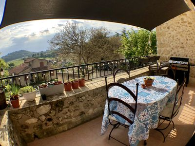 Photo for Authentic house at the foot of the south Luberon and near the pond of the bung.