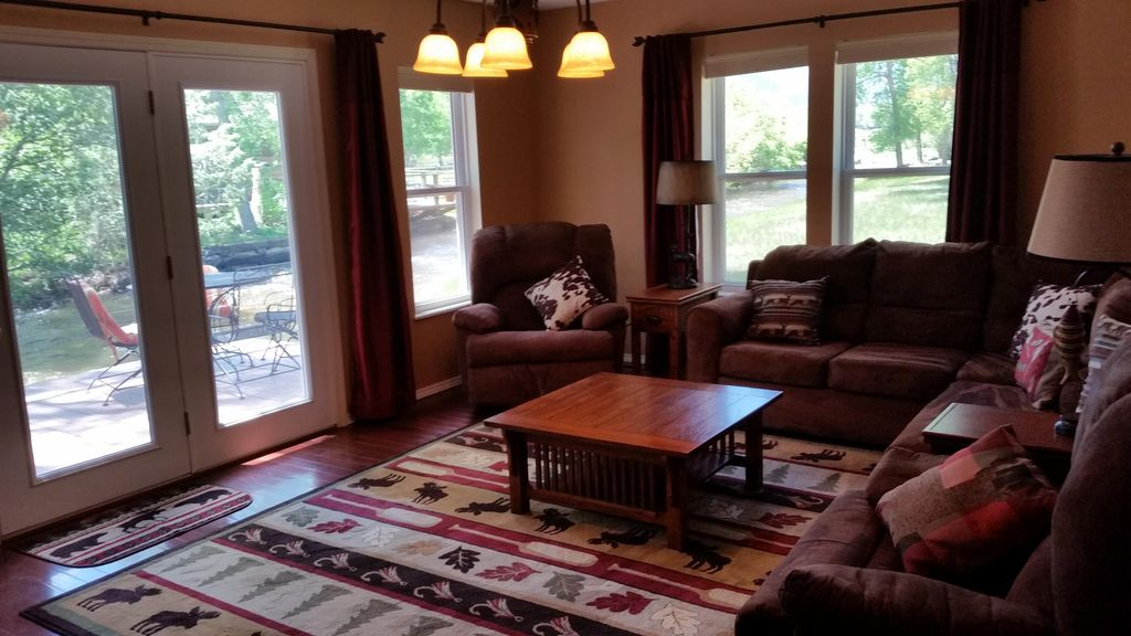 New, homey, creekside cottage conveniently located to town activies &  mountains - Buena Vista