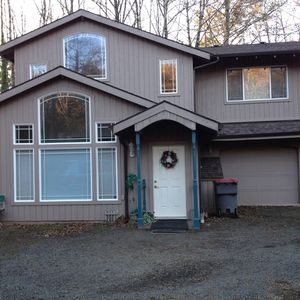 Family Vacation Home In Serene Wooded Area, Close Beach Access
