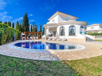 Photo for Stunning 4 bed villa, located in Ayia Thekla a suburb of Ayia Napa