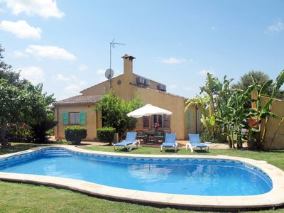 Photo for 2 bedroom Villa, sleeps 2 with Pool, Air Con, FREE WiFi and Walk to Shops