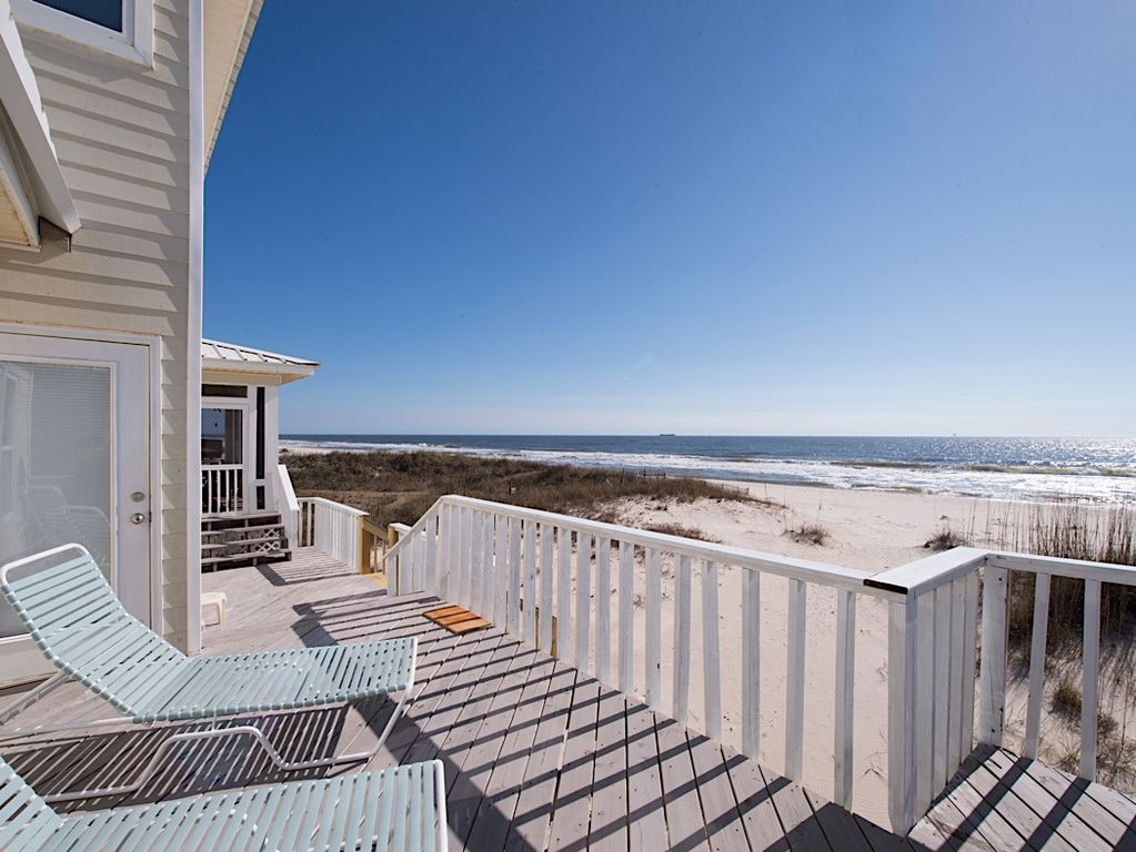 Gulf shores house rental deck get some sun on the back deck with a