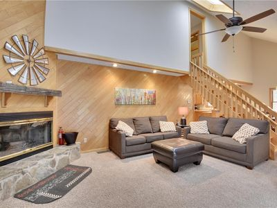 Photo for Recently renovated and freshly decorated-welcome to Mountain Getaway!