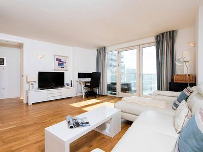 Photo for Stylish Luxury 2BR near Canary Wharf