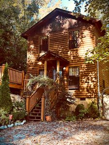 Photo for Private Wooded Cabin, 1 BDR/1.5 BATH, Sleeps 4, Hot Tub, DirectTV, Close to All!
