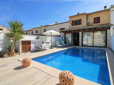 Photo for 4 bedroom Villa, sleeps 8 in Lloseta with Pool, Air Con and WiFi