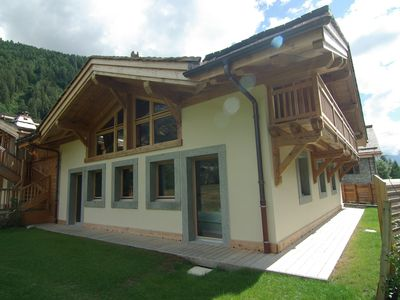 Photo for Chalet at 150 m from the slopes. Includes sauna, Jacuzzi and ski boot dryer.