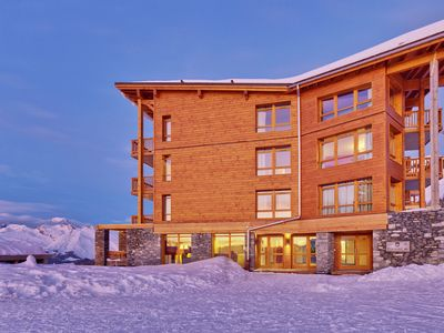 Photo for Residence with a breathtaking view of the slopes with indoor and outdoor pool