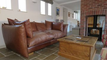 DOODALE COTTAGE - spacious converted barn on working farm with highland cattle