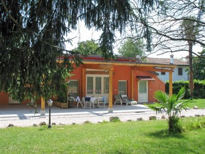 Photo for One bedroom Apartment, sleeps 5 in Strassoldo with Pool, Air Con and WiFi