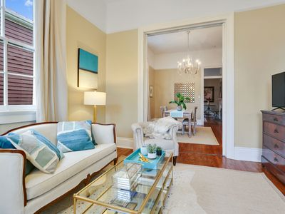 Photo for Charming Uptown 2 Bed/2 Bath Steps to St. Charles Streetcar!