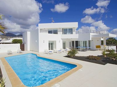 Photo for Design villa in Lanzarote comfort & Sun / heated pool & jacuzzi