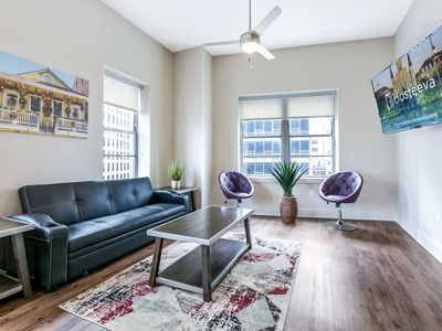 Stunning 2bd/2bath condo Near French Quarter and Bourbon St.