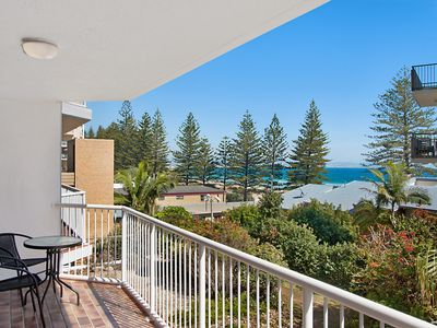 Photo for Carool unit 6 - 2 bedroom ensuited unit in the heart of Rainbow Bay