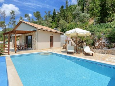 Photo for One bedroom Villa, sleeps 2 in Vasiliki with Pool, Air Con and WiFi